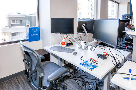 UiPath Office 7 workstation
