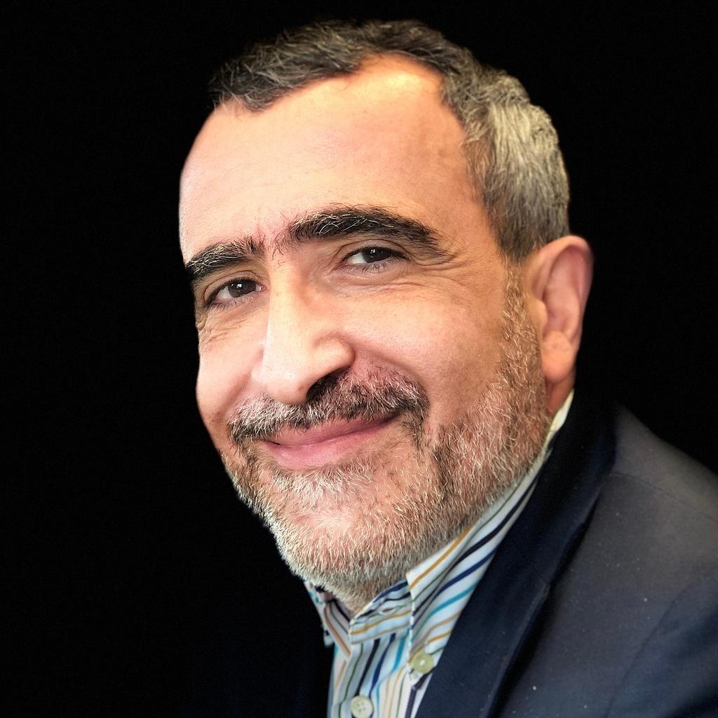 Photo of Vargha Moayed
