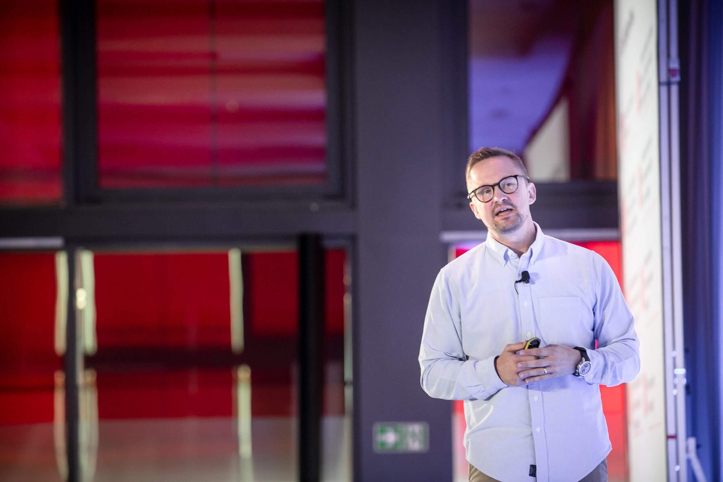 Robots Revolution - 4 Factors of Dreamy Businesses | UiPath