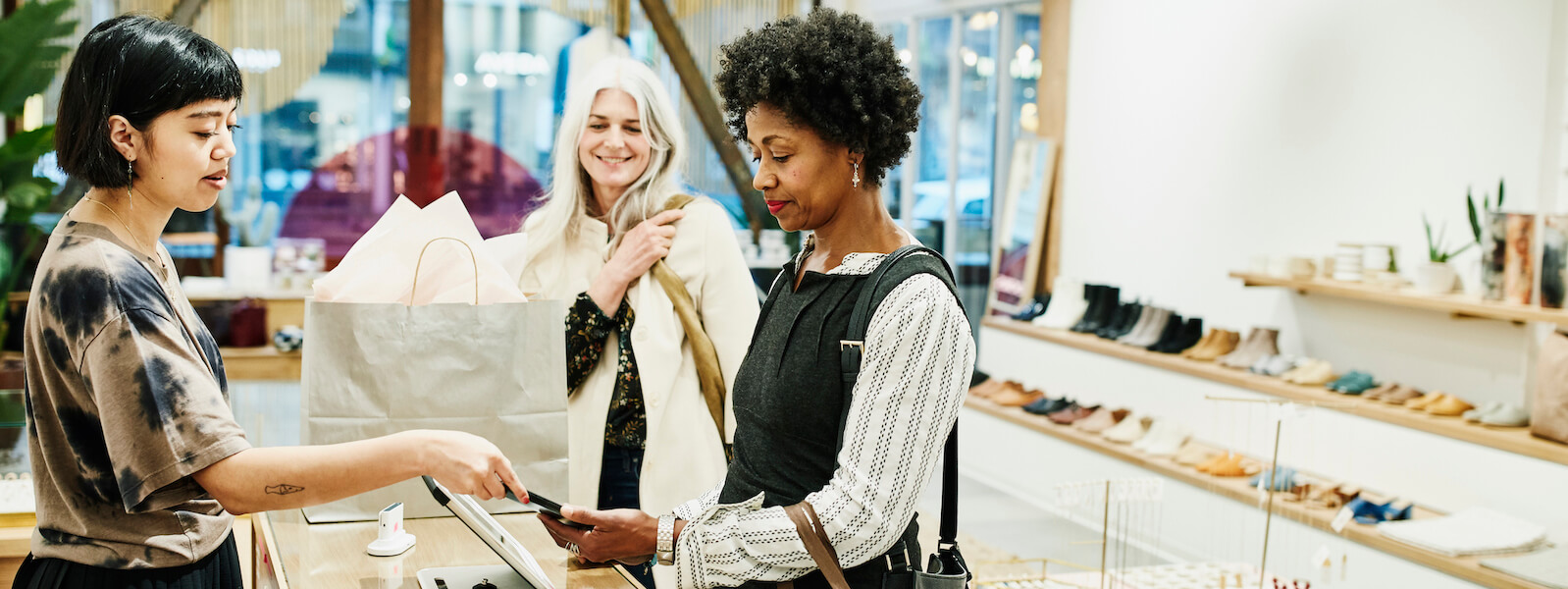 How RPA Is Transforming Global Retail - Lessons From Landmark Group | UiPath