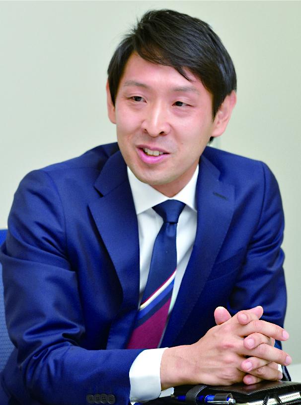 岡田 暁光氏