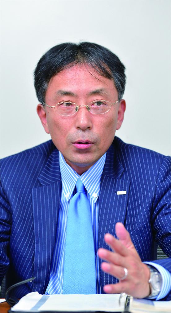 藤本 聡氏