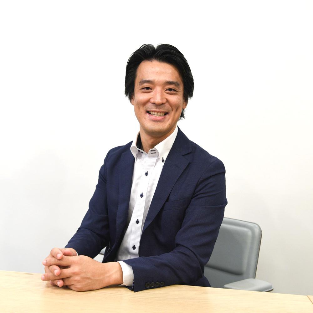 Ebina-employee